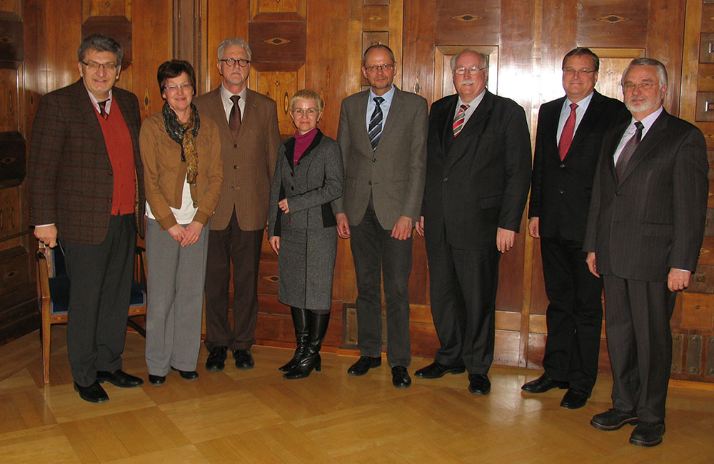 From left to right: Wolfgang Hoderlein, Christine Schnörer, Eckhard Wiltsch, Dr. Jutta von Maurice, Prof. Dr. Hans-Günther Roßbach, Wilhelm Wenning, Andreas Starke, Manfred Egner.