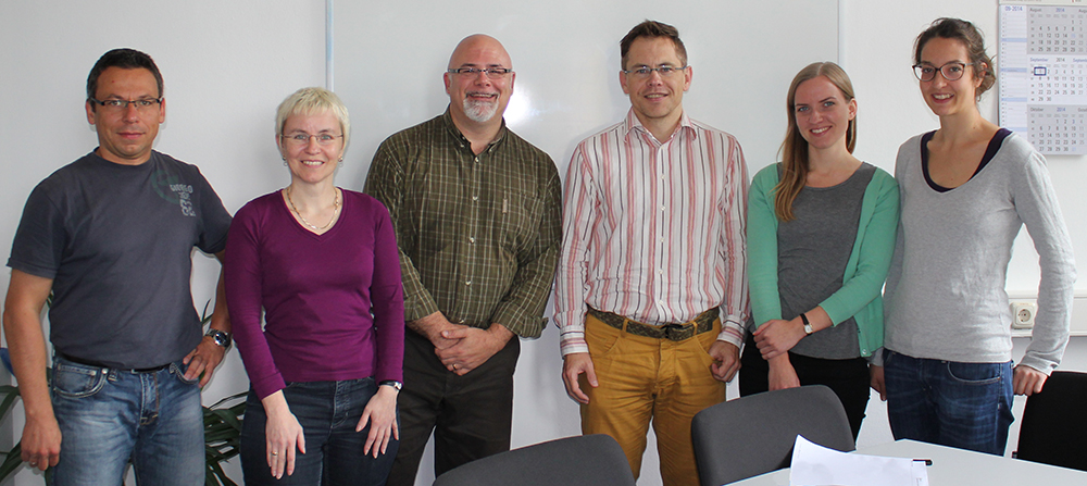 Dr. Jutta von Maurice (second from the left) and Dr. Jim Vander Putten (third from the left) together with LIfBi employees