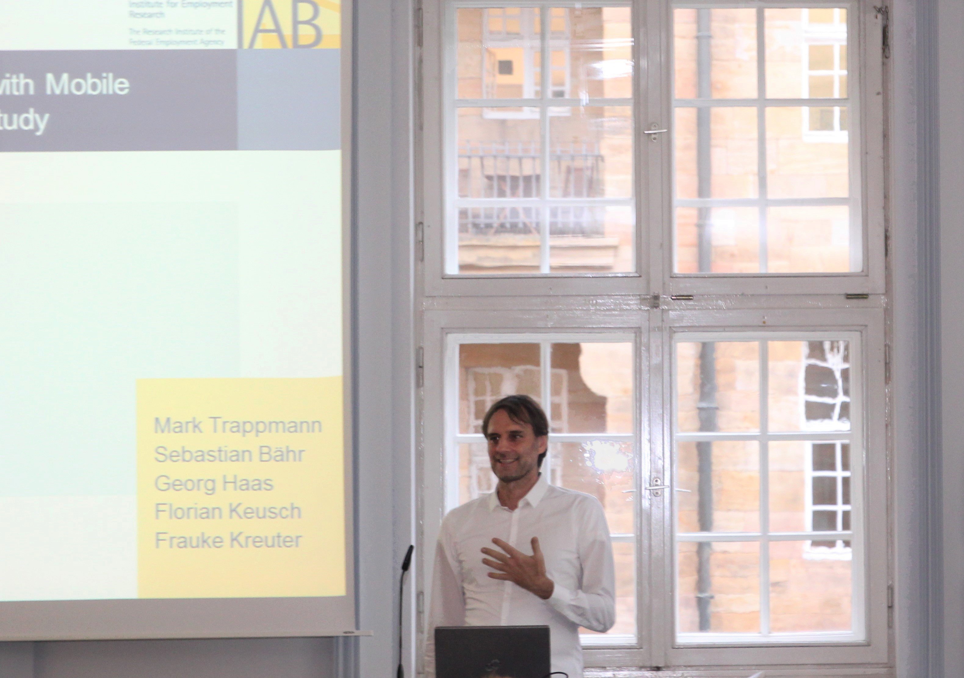 Prof. Mark Trappmann presented the feasibility study on implementing an Android application as part of the panel study PASS.