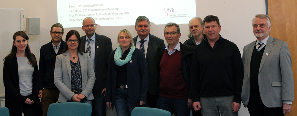 Members of SPD Bamberg county district council with LIfBi Director Prof. Dr. Hans-Günther Roßbach (4th on left) as well as LIfBi staff.